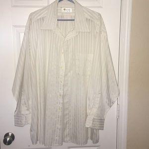 Men's white stripe shirt